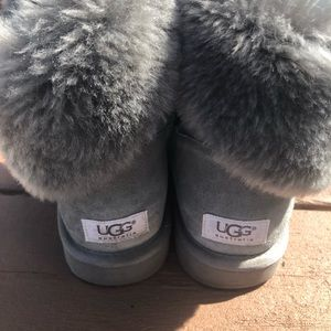 UGG gray bailey ankle boots. Women's size 9. EUC.